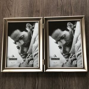 🌺NEW🌺 Double Hinged Silver Picture Frame